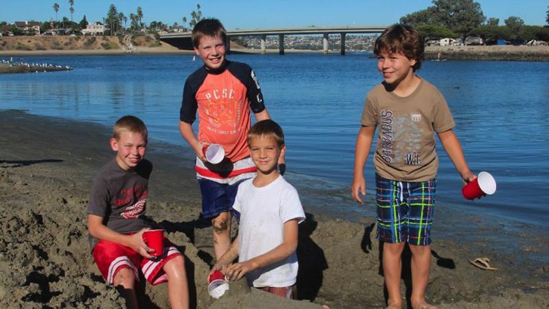 kids-beach-800×450